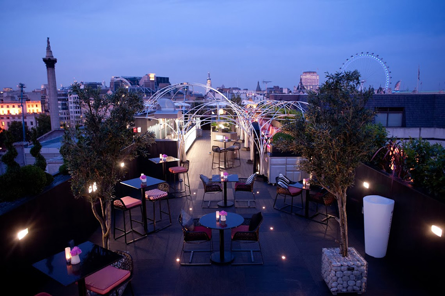 4_Rooftop-bar-Vista-at-The-Trafalgar